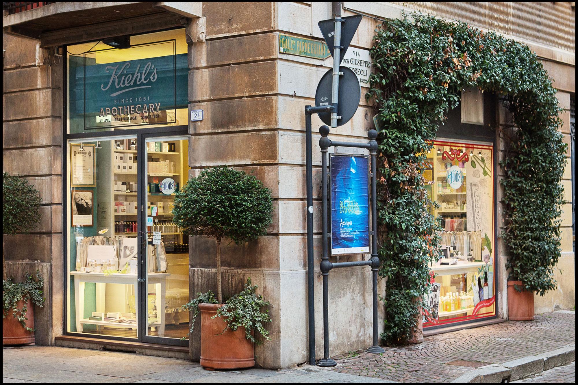 Floris Reggio Emilia – Il profumo nasce ovunque. Noi lo cerchiamo ...